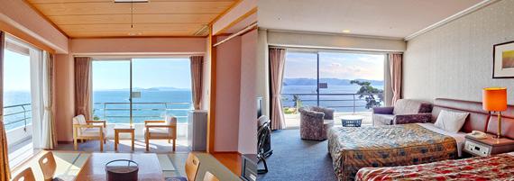 部屋から見える海の風景が美しい